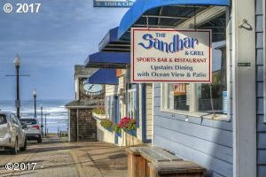 722 NW Beach St, Newport, OR 97365
