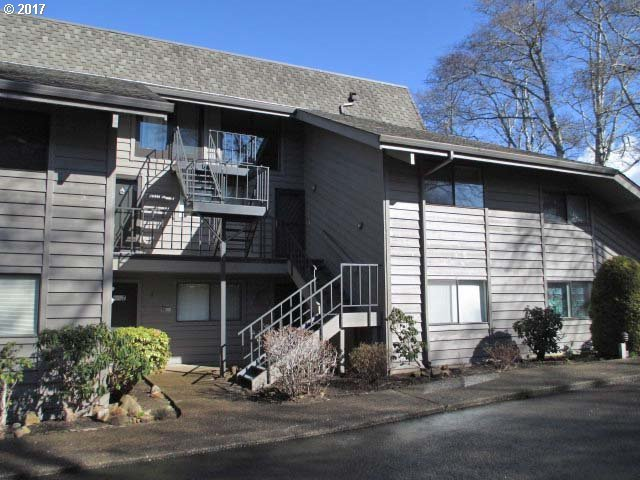 3500 NE West Devils Lake Rd #11, Lincoln City, OR 97367