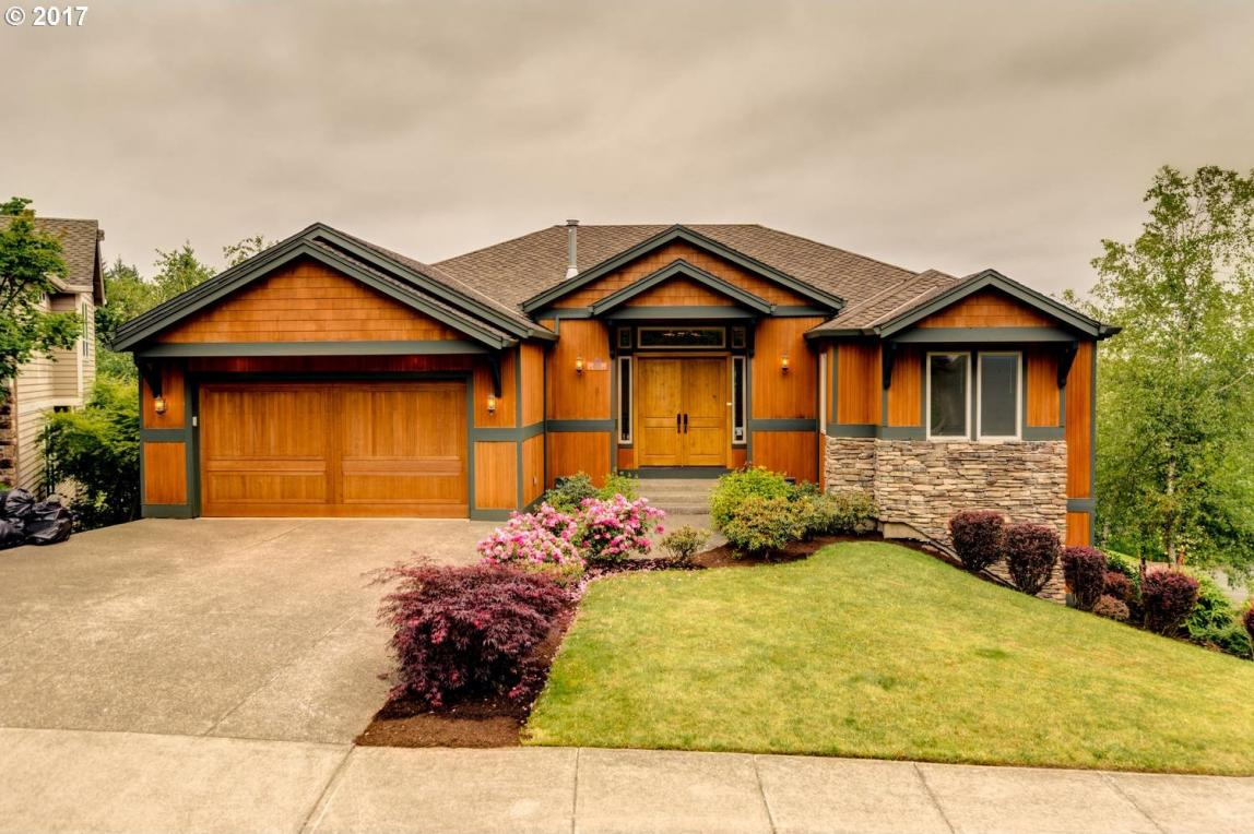 2600 NW Holloway Dr, Portland, OR 97229