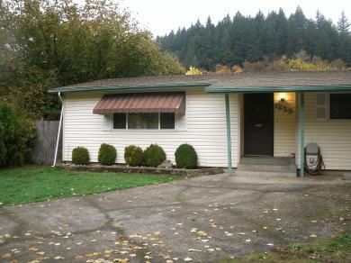 1223 S Water St, Silverton, OR 97381