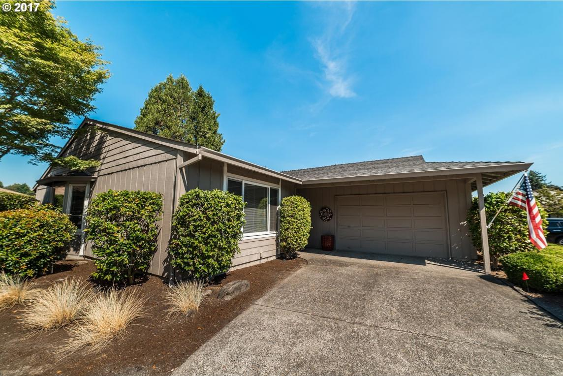 9555 SW Summerfield Dr, Tigard, OR 97224