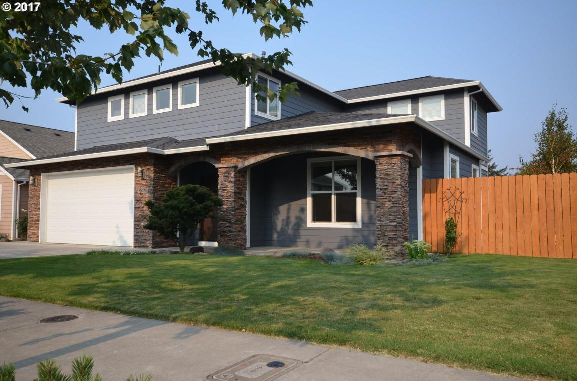 1573 3rd St, Hood River, OR 97031