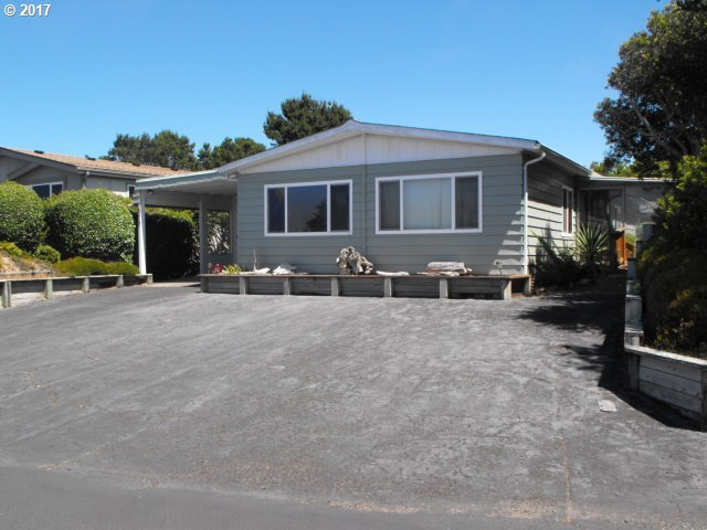 1601 Rhododendron Dr #575, Florence, OR 97439