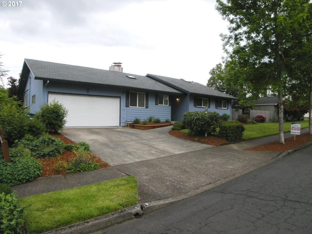 11570 SW Timberline Dr, Beaverton, OR 97008