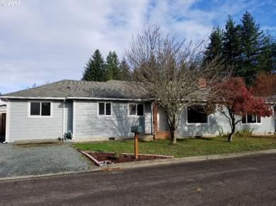 1030 W 11th, Coquille, OR 97423