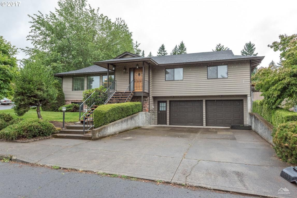 1315 N Ash St, Canby, OR 97013