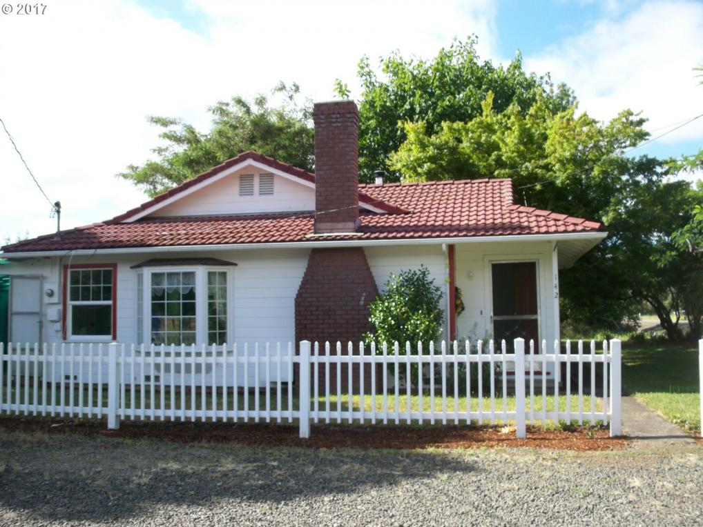 142 Plat I Rd, Sutherlin, OR 97479