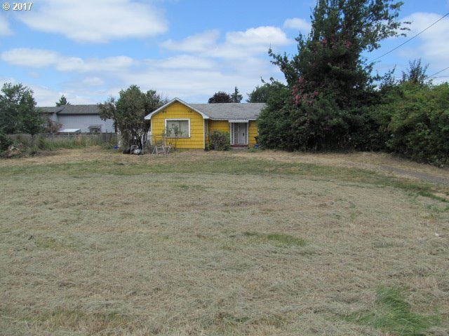 1260 Q St, Springfield, OR 97477