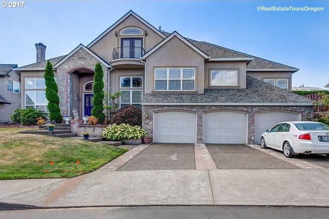 13922 SW Hillshire Dr, Tigard, OR 97223