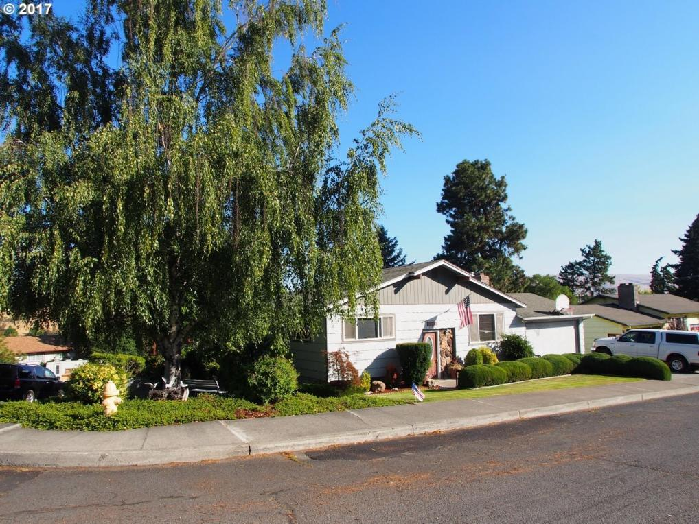 1929 Garrison St, The Dalles, OR 97058