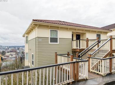 402 NW Uptown Ter #1a, Portland, OR 97210
