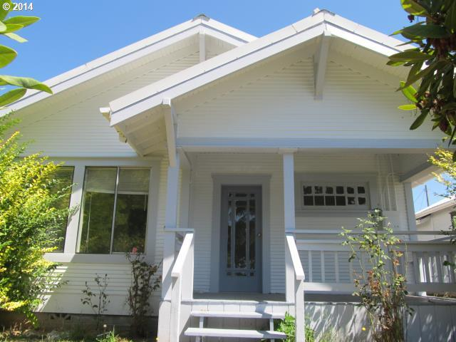 390 N Collier St, Coquille, OR 97423