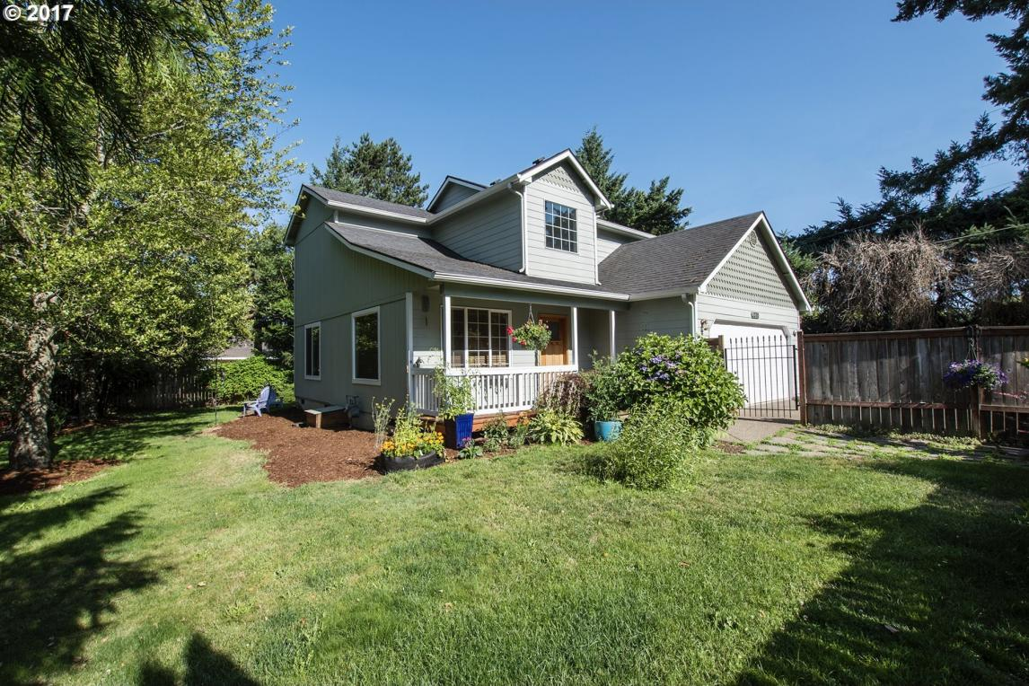 1370 W Harrison, Cottage Grove, OR 97424