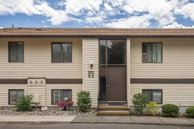 12120 SW Royal Ct #D, King City, OR 97224