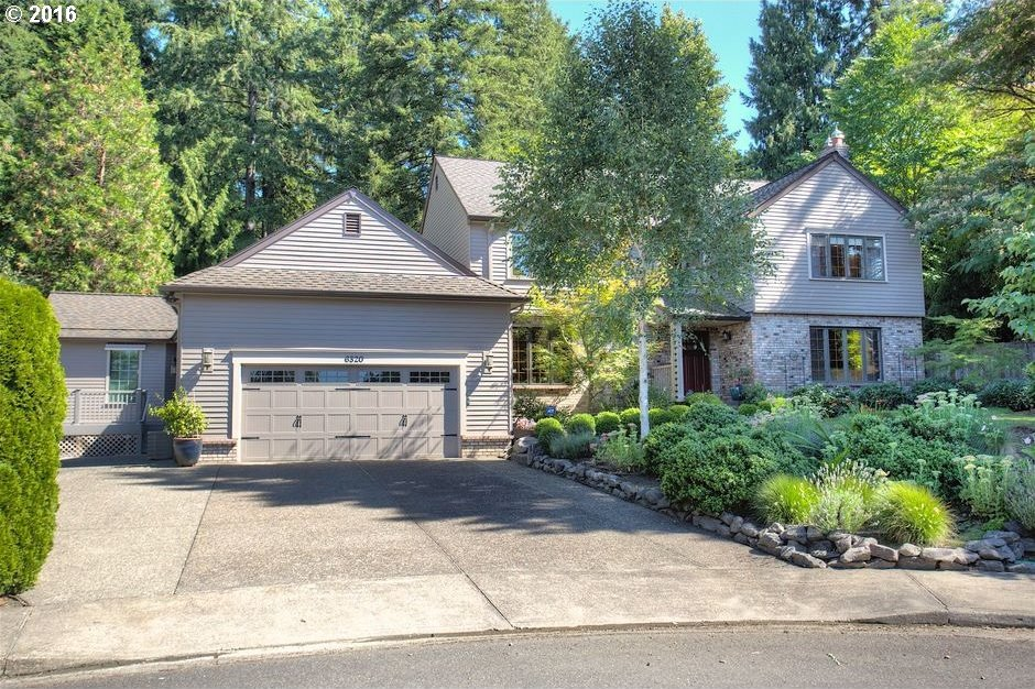 6320 SW Camelot Ln, Portland, OR 97219