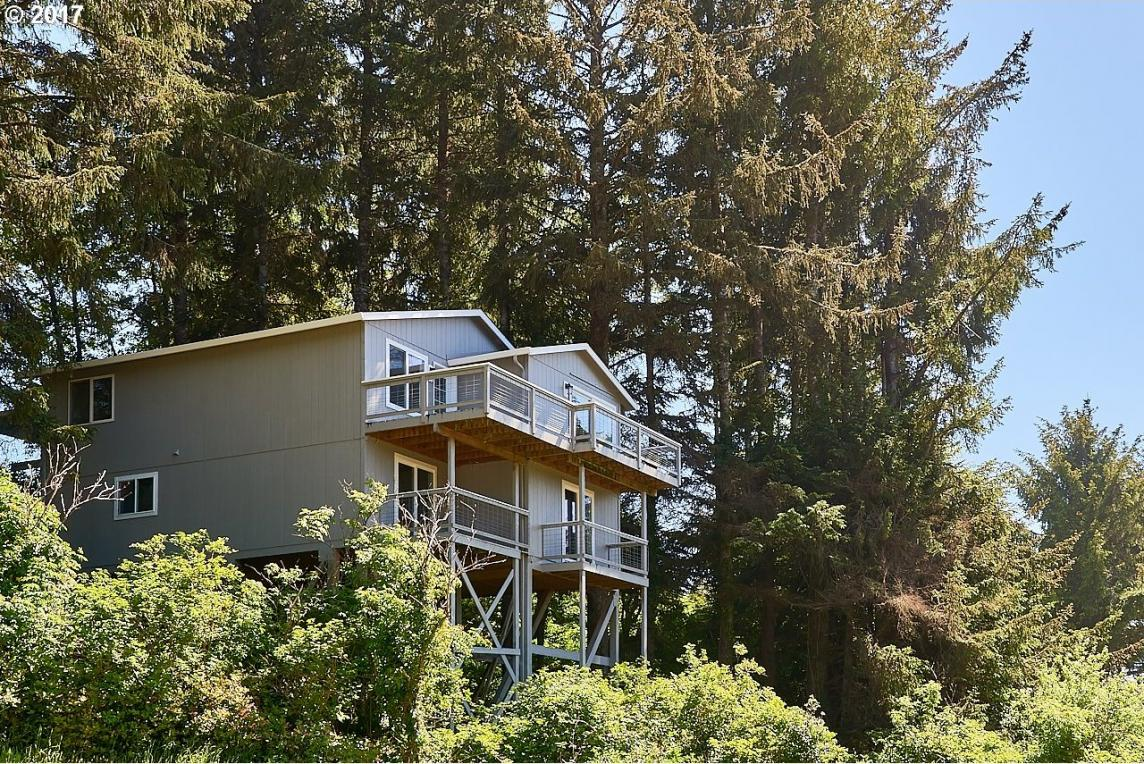3575 NE Reef Dr, Lincoln City, OR 97367