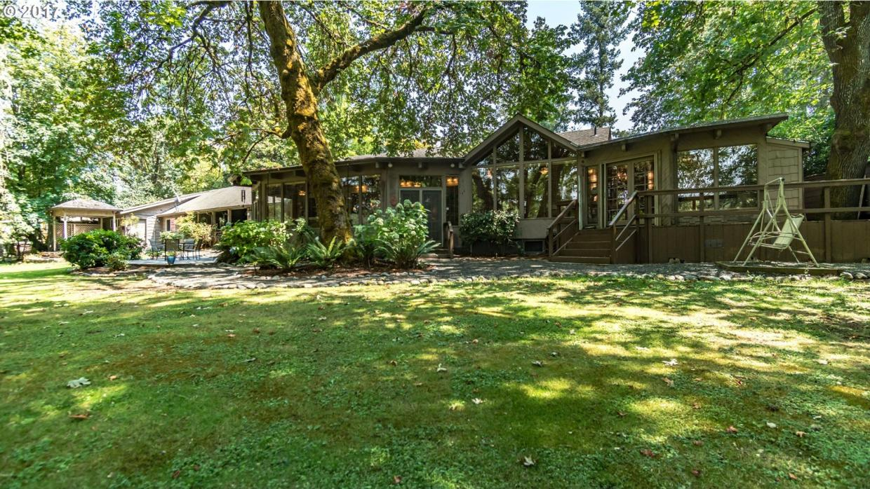 1802 Fisher Rd, Roseburg, OR 97471