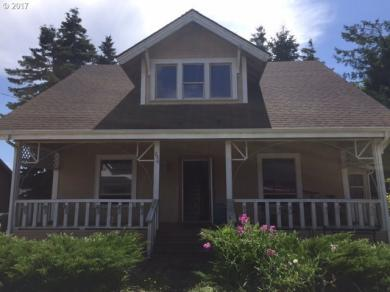 246 D St, Coos Bay, OR 97420