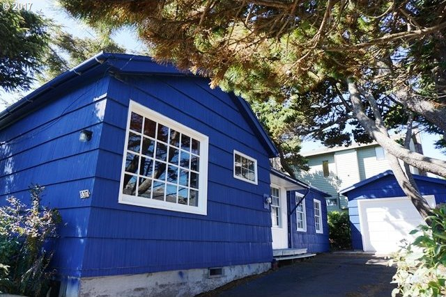537 SW Ebb Ave, Lincoln City, OR 97367