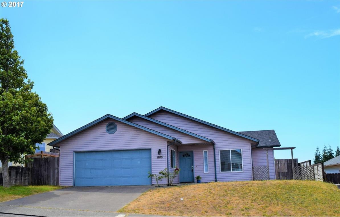 1818 Garfield St, North Bend, OR 97459