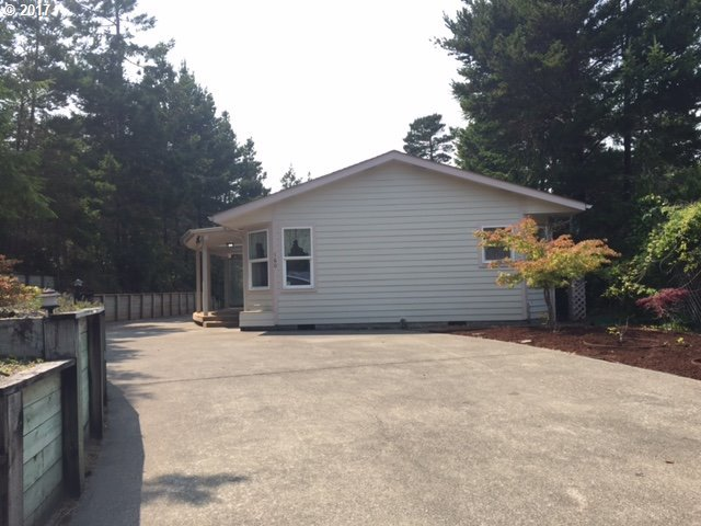 160 Florentine Ave, Florence, OR 97439