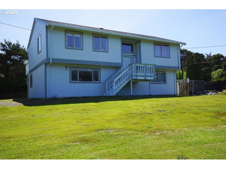 10093 NW Pacific Coast Hwy, Seal Rock, OR 97376