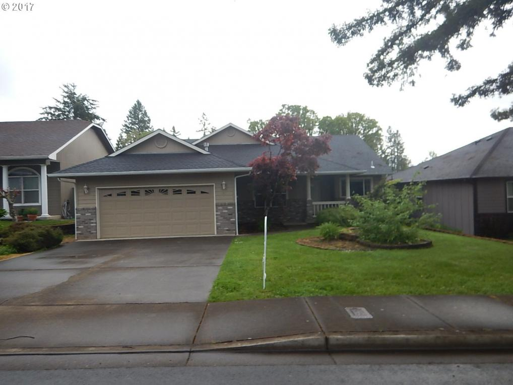 340 Holly Ave, Cottage Grove, OR 97424