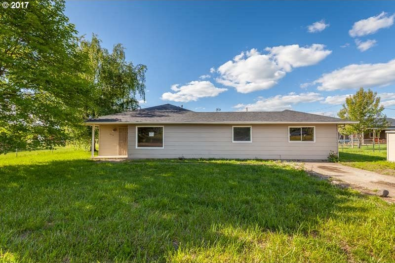 4310 Airport Rd, Sweet Home, OR 97386