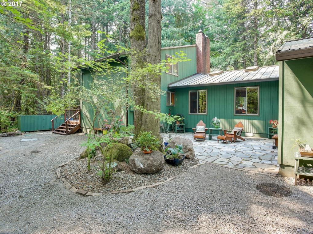 22617 E Autumn Ln, Rhododendron, OR 97049