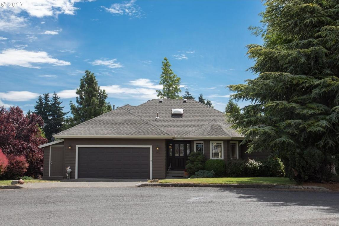 946 Hood View Ct, Hood River, OR 97031