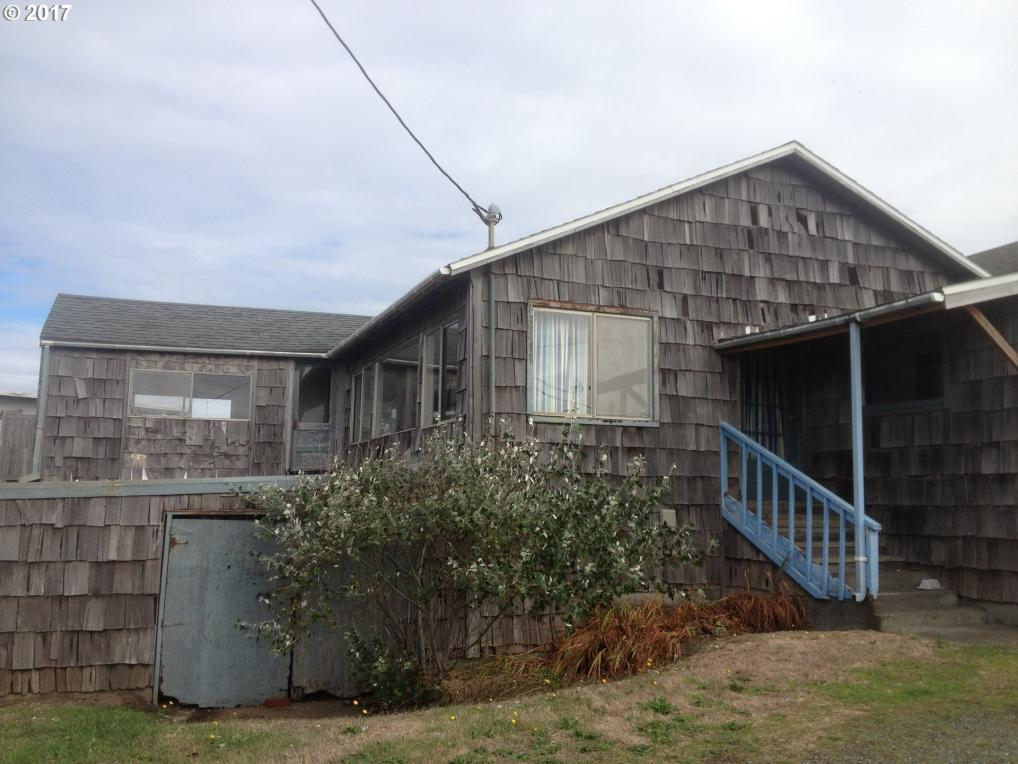 141 NW 20th Ave, Rockaway Beach, OR 97136