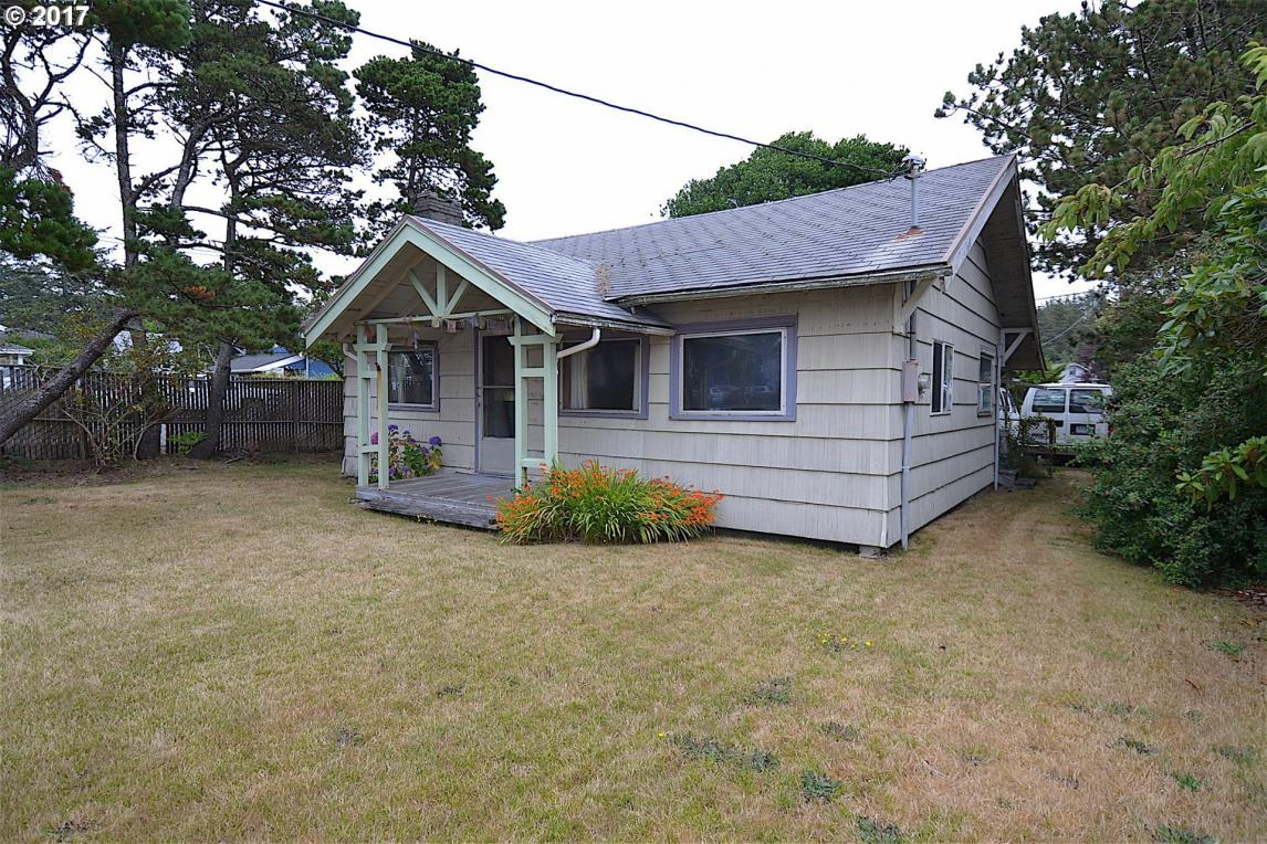 279 Hemlock St, Cannon Beach, OR 97110