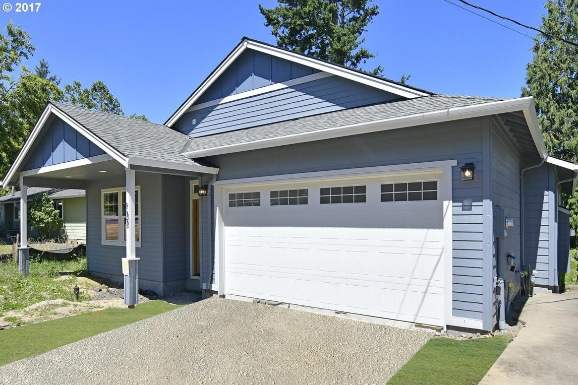 133 SE 7th St, Troutdale, OR 97060