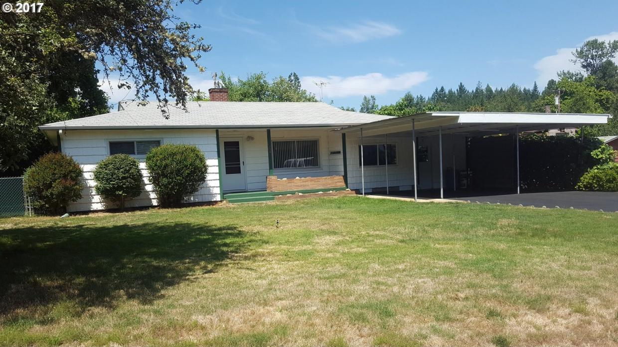 230 Sunset Dr, Canyonville, OR 97417