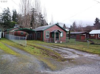 517 25th, Myrtle Point, OR 97458