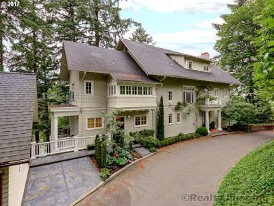 Photo of 1743 SW Prospect Dr, Portland, OR 97201