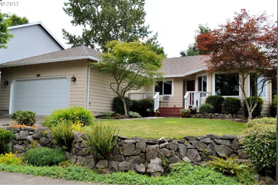 17256 NW Holcomb Dr, Portland, OR 97229