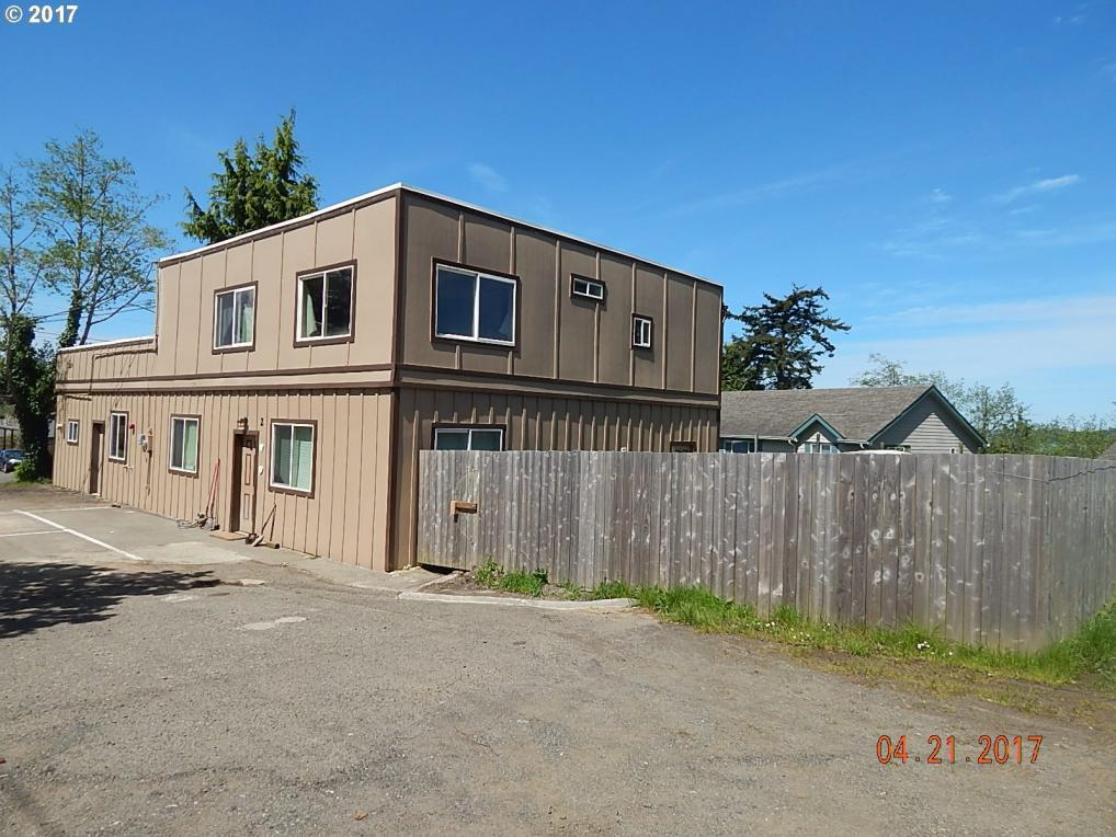 729 D St, Coos Bay, OR 97420