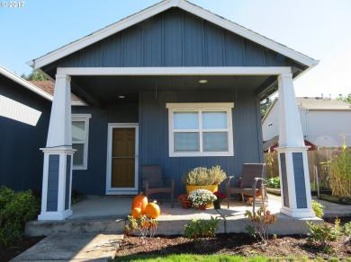 1547 S 59th St, Springfield, OR 97478