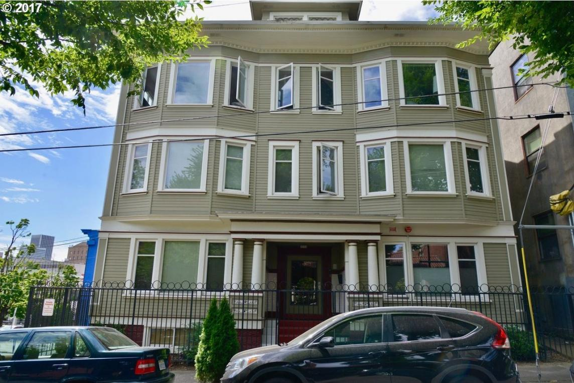 1714 NW Couch St #20, Portland, OR 97209