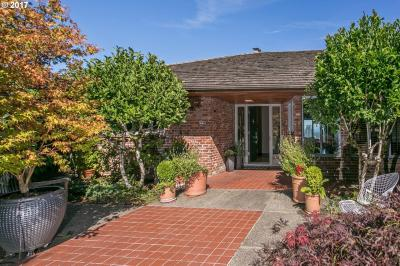 Photo of 1750 SW West Point Ct, Portland, OR 97201