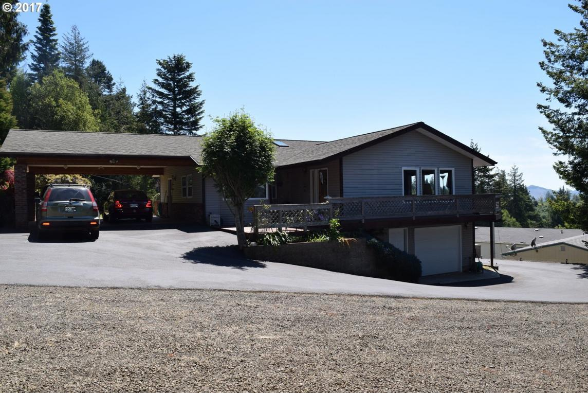 2406 Western Dr, Coquille, OR 97423