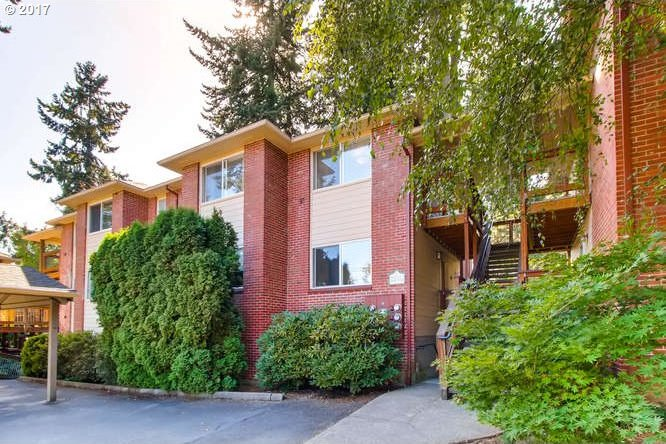 562 S State St, Lake Oswego, OR 97034