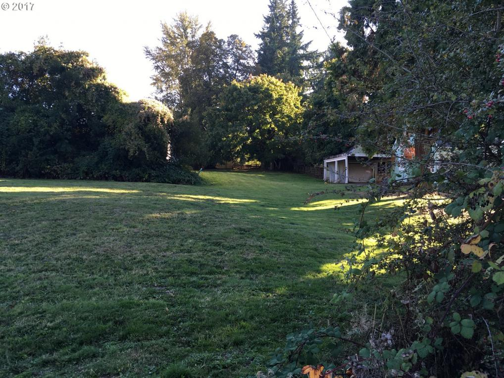 10474 SW Park St, Tigard, OR 97223