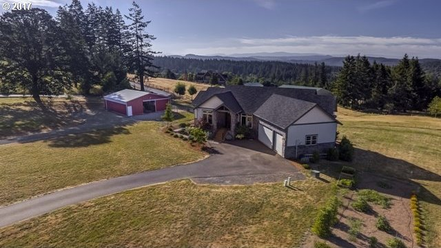 16545 S Laurelstone Ln, Oregon City, OR 97045
