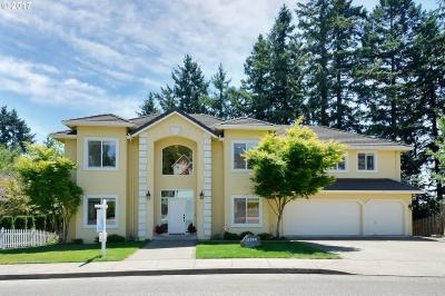 Photo of 12320 SE Bluff Dr, Clackamas, OR 97015