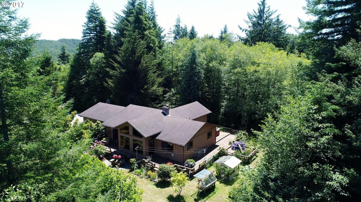 57357 Harlocker Hill Rd, Coquille, OR 97423