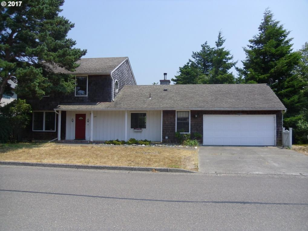 2131 Ash St, North Bend, OR 97459