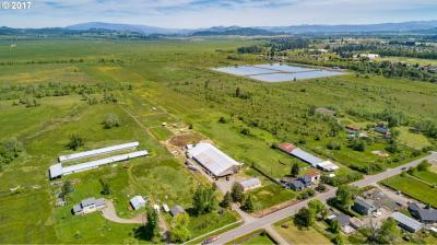 Photo of 33005 Camas Swale Rd, Creswell, OR 97426