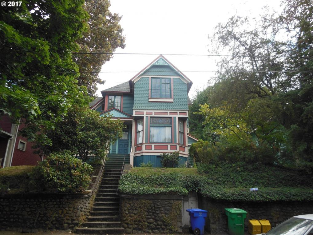 2406 SE Yamhill St, Portland, OR 97214